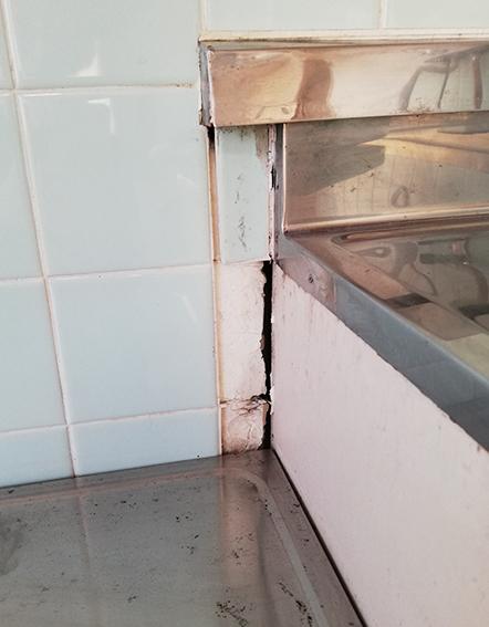 古いキッチン